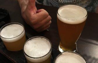 ビールの飲み比べでテンションが上がる男性