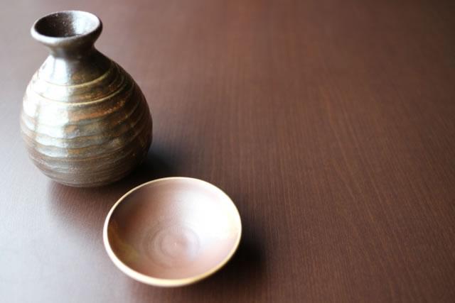 愛媛県の酒器7選。砥部焼などお酒にあうグラス・骨董品の紹介