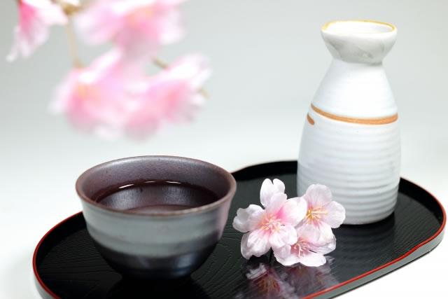 大阪の酒器8選。大阪錫器などお酒にあうグラス・骨董品の紹介
