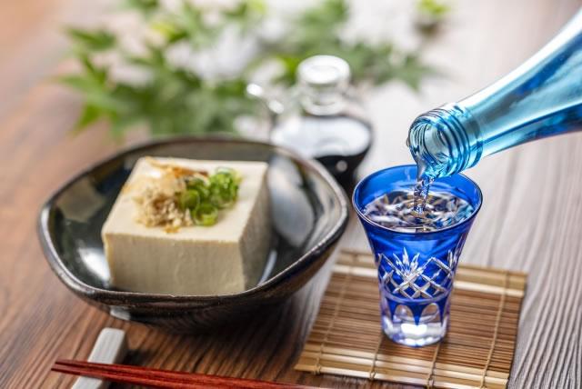 冷奴と日本酒
