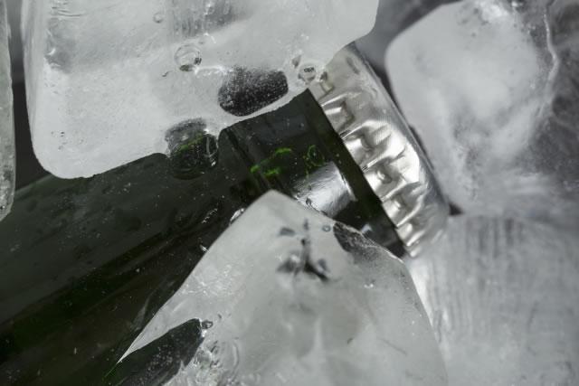 氷と瓶ビール