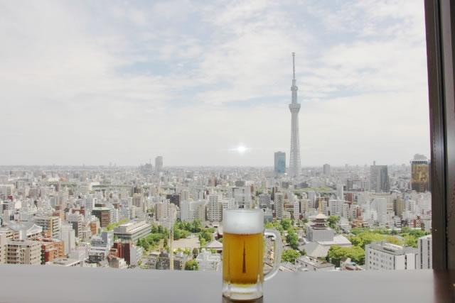 ビールと東京スカイツリー